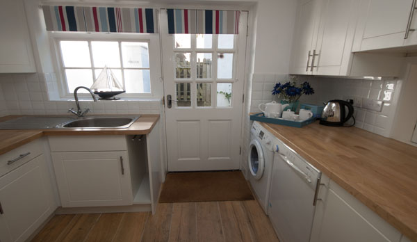 self catering cottage in lulworth kitchen