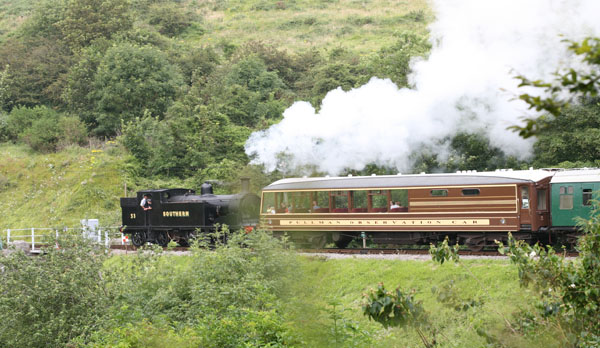 family_holiday home in corfe castle steam train
