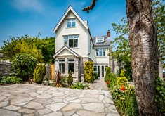 Wessex-holiday-home-with-sea-view-external-thumbnail-1-1