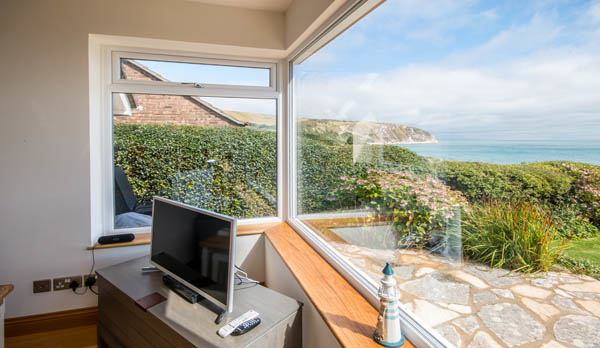 accommodation in swanage with a sea view