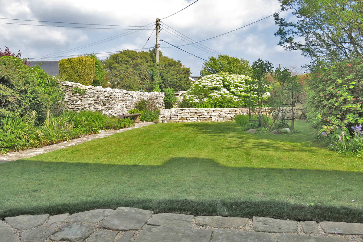 romantic holiday cottage dorset garden
