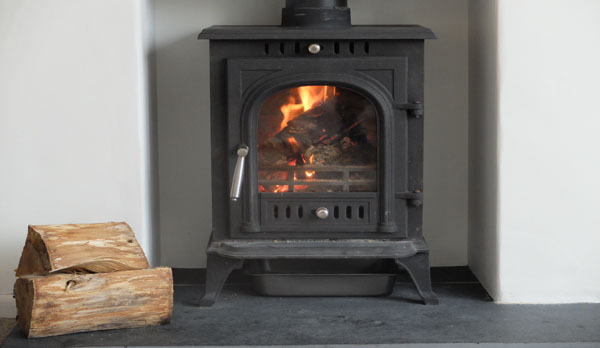 Large holiday cottage in Dorset with log burner fireplace