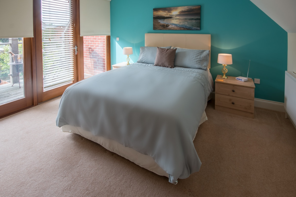 seaside holiday home in swanage master bedroom