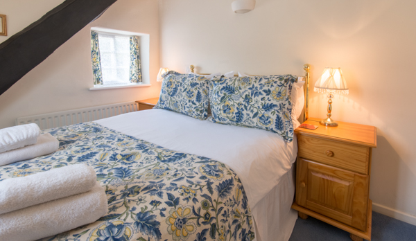 thatched romantic holiday cottage double bedroom 1