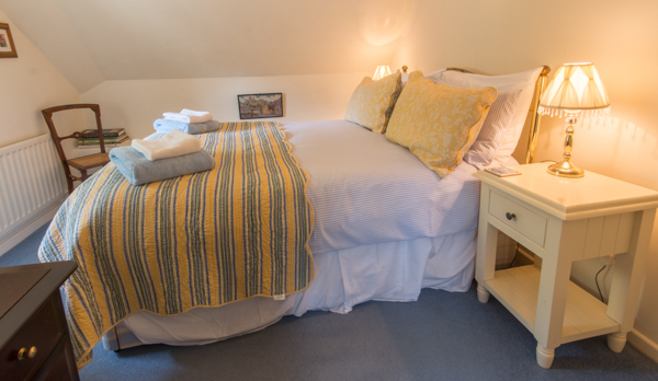 thatched romantic holiday cottage double bedroom 2