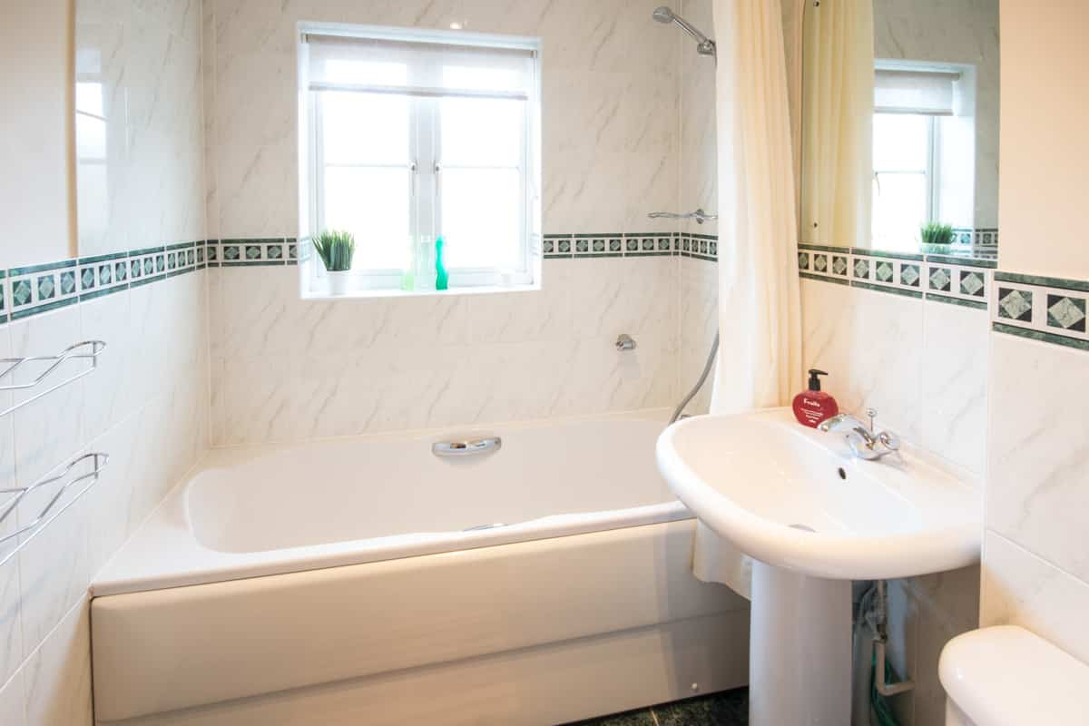 weymouth holiday home bathroom