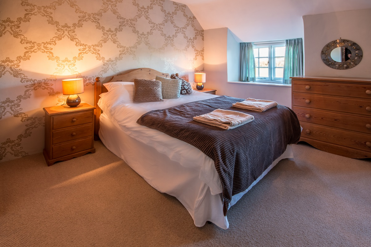 swanage holiday cottage bedroom 1
