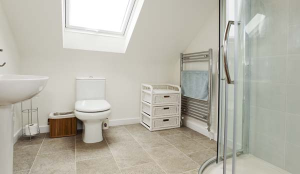 holiday home in worth matravers bathroom 1