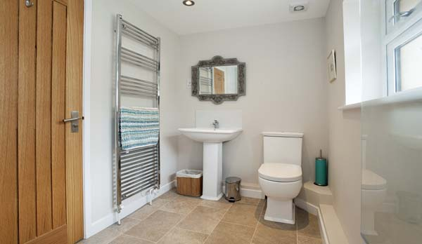 holiday home in worth matravers bathroom 2