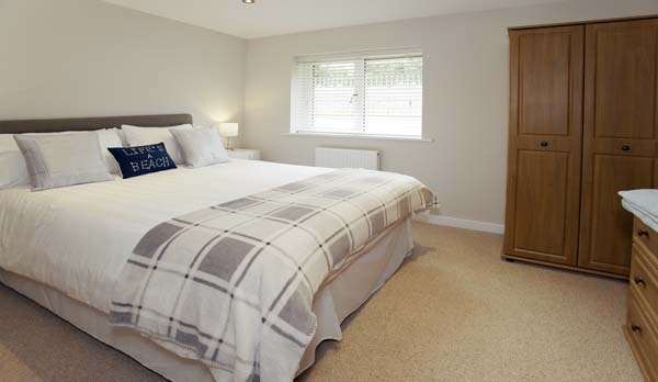 holiday home in worth matravers double bedroom