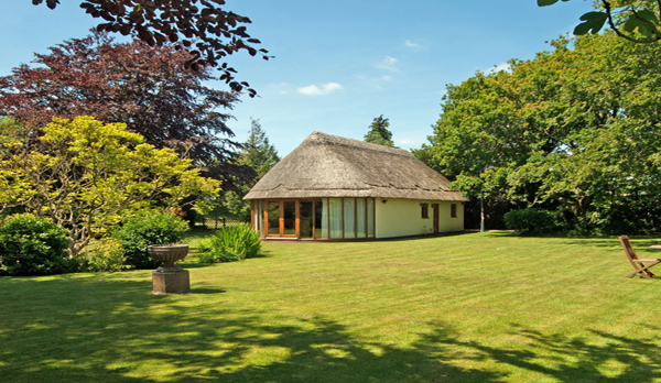 holiday home in studland exterior garden