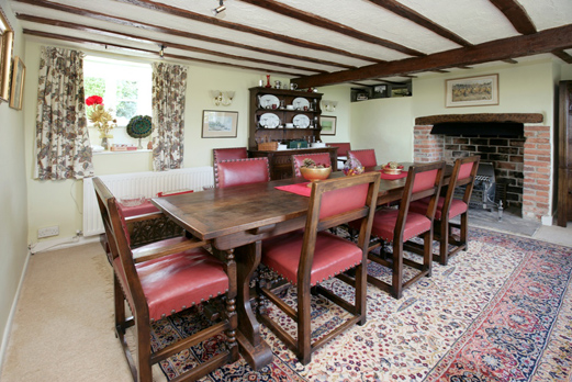 holiday cottage in studland dining area