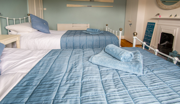 holiday home in wareham twin bedroom 2
