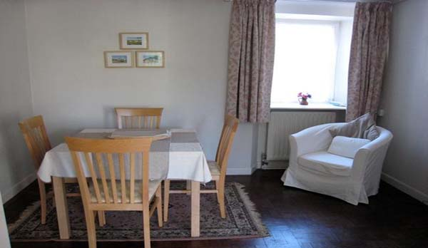 holiday cottage langton matravers dining area 2