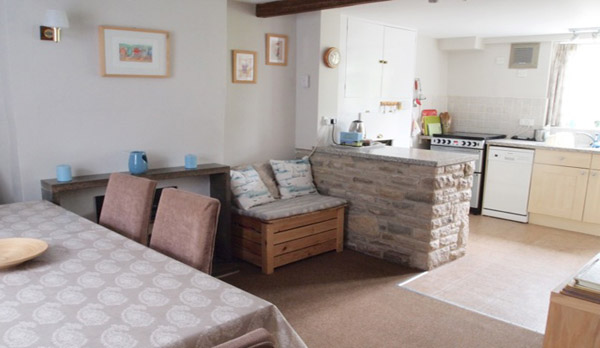 holiday cottage langton matravers dining area