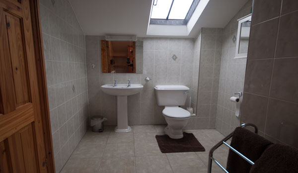 holiday cottage complex dorset bathroom
