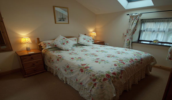 holiday cottage complex dorset double bedroom