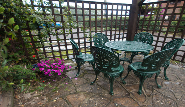 holiday cottage complex dorset garden patio