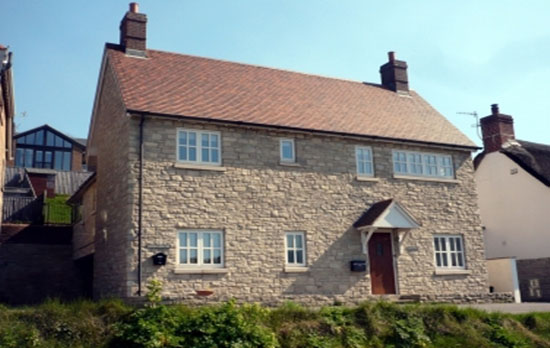 holiday cottage in lulworth cove external view
