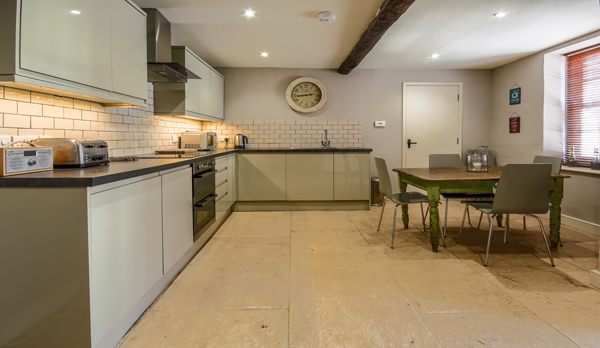 traditional cottage swanage kitchen
