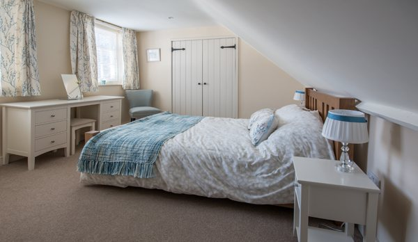 traditional cottage swanage master bedroom