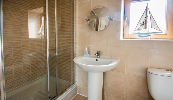 family holiday home in swanage bathroom 2