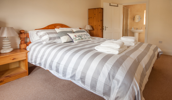 family holiday home in swanage master bedroom