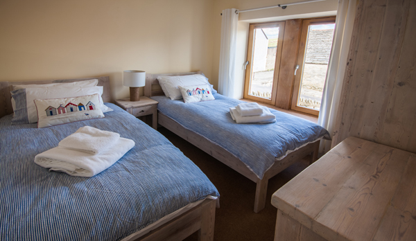 family holiday home in swanage twin room