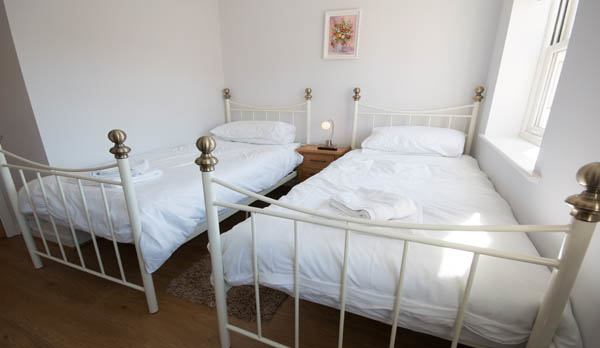 holiday accommodation in wareham master twin room