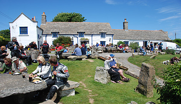 holiday home in worth matravers square compass pub