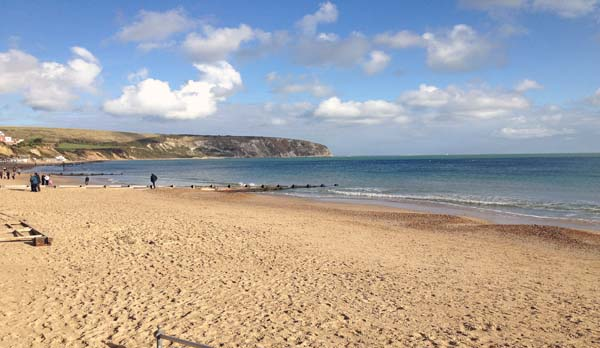 holiday apartment in swanage beach