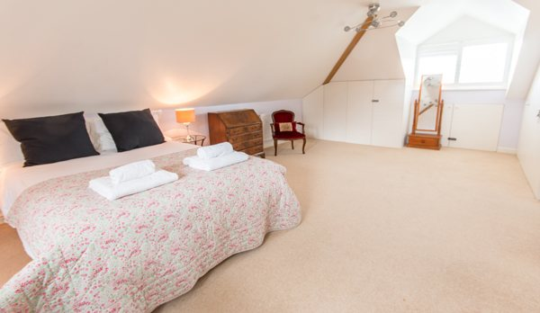 luxury dorset holiday cottage king bed