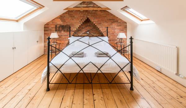traditional purbeck holiday cottage master bedroom