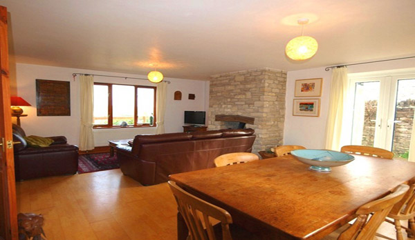 cottage to rent in worth matravers lounge