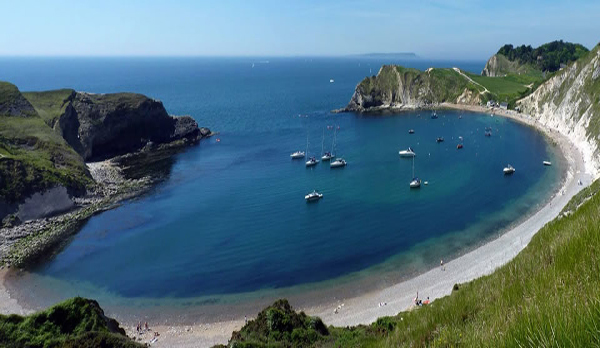walking holidays in dorset lulworth cove