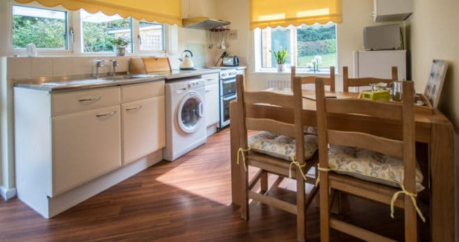 holiday cottage blandford dorset kitchen