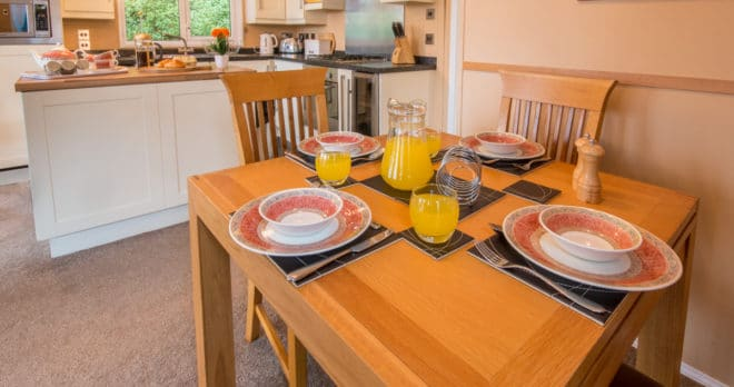 woodland falls luxury lodge on rockley park sleeps 6 dining table