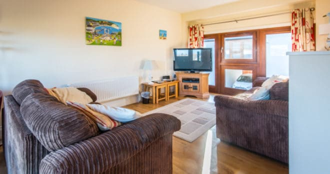 self catering holiday in swanage lounge