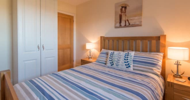 self catering holiday in swanage master bedroom 2