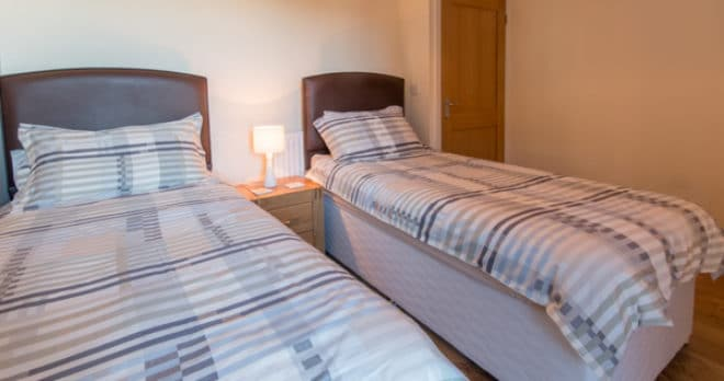 self catering holiday in swanage twin room