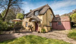 thatched dorset holiday cottages