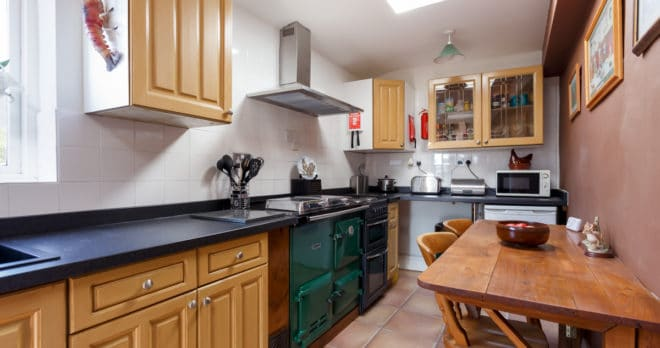 holiday home weymouth kitchen