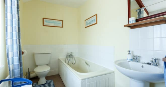 holiday home weymouth bathroom 2