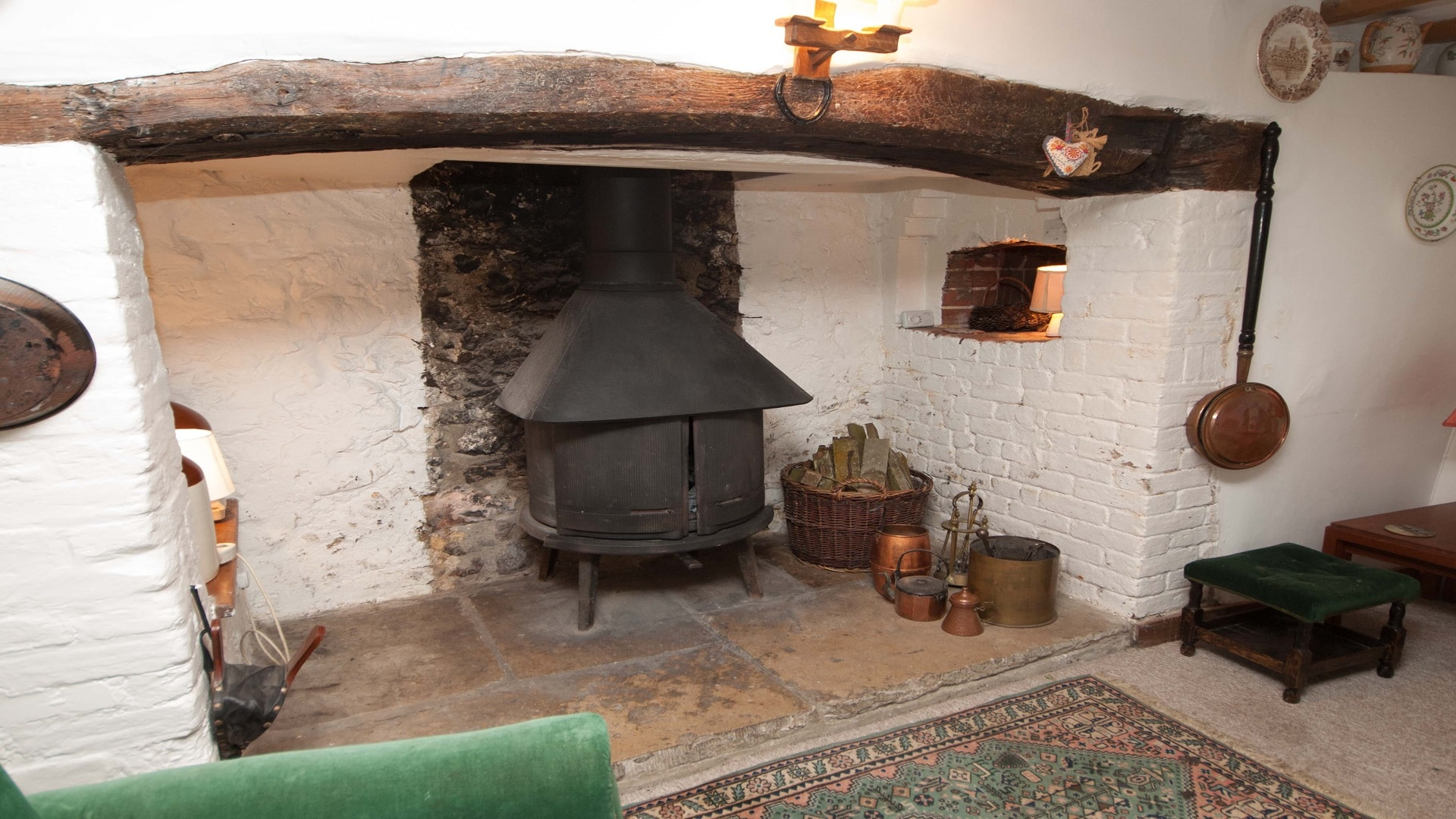 holiday country retreat in dorset log burner