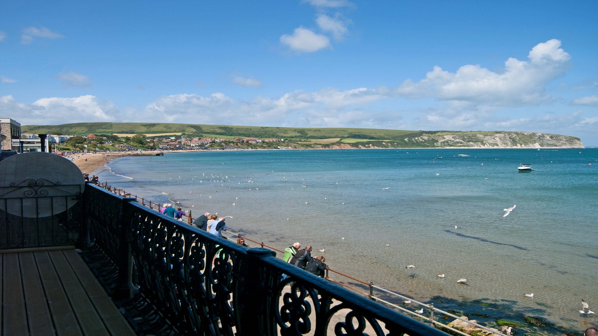 seaside apartment in Swanage beach view