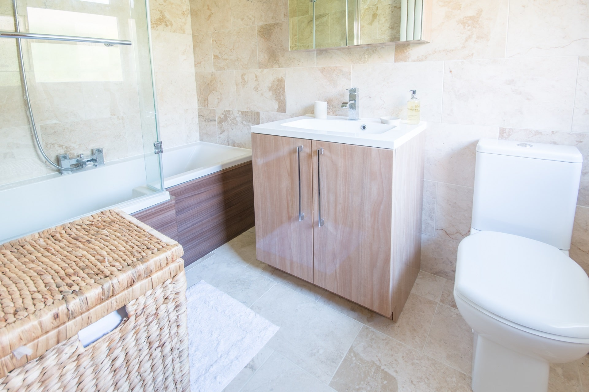 pet friendly sea view swanage master bathroom