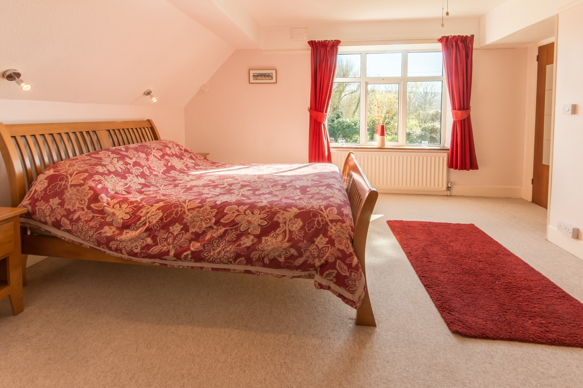 Accommodation for large groups in Swanage master bedroom window