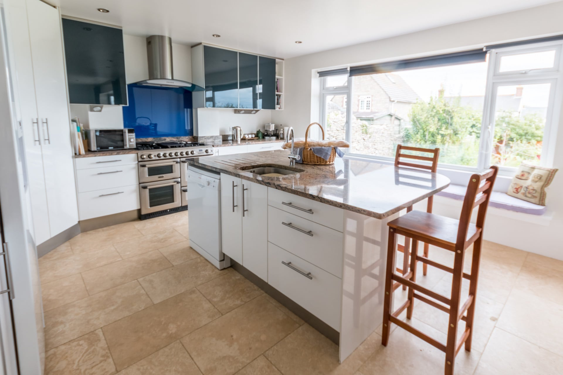 luxury dorset holiday cottage kitchen