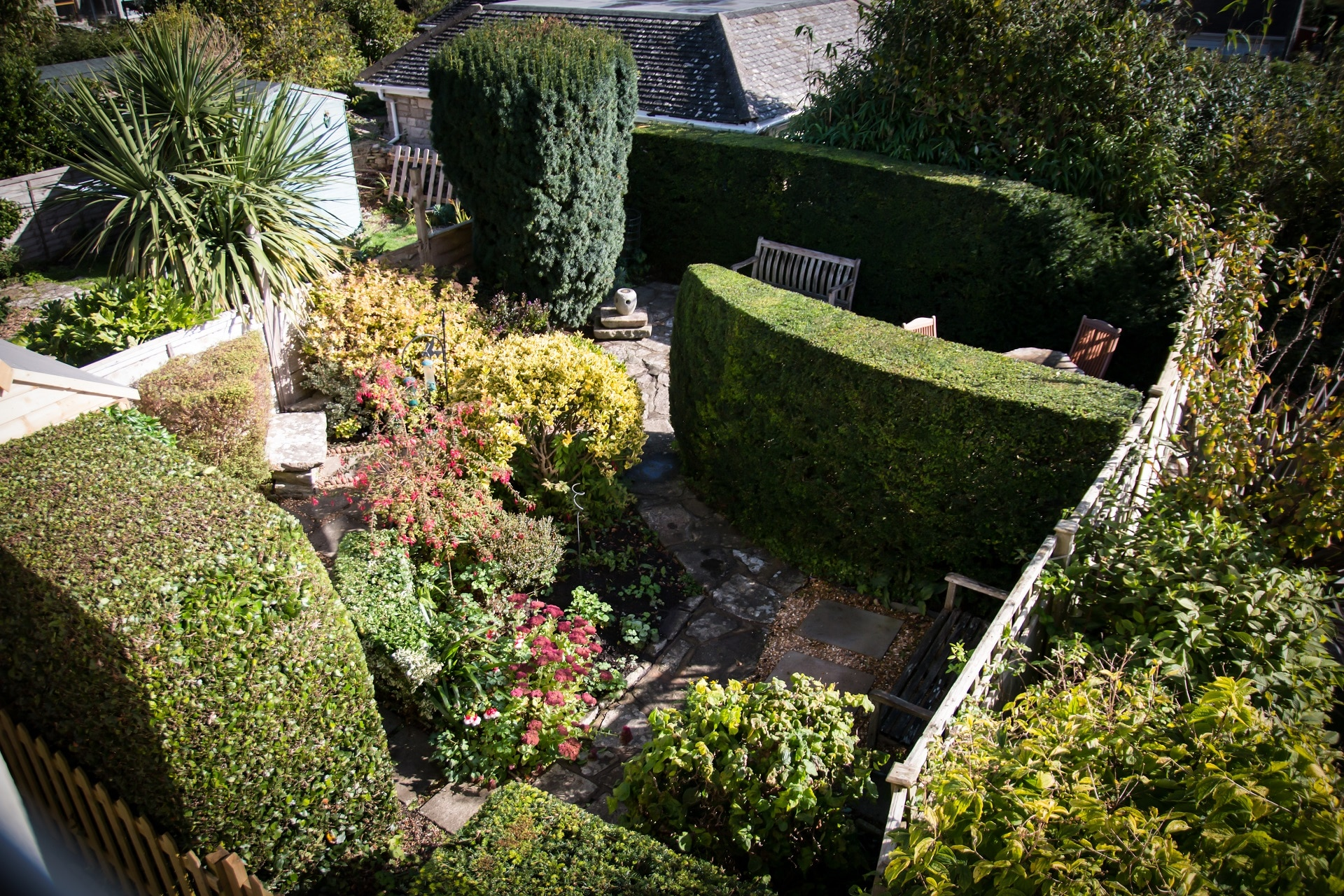 traditional purbeck holiday cottage garden