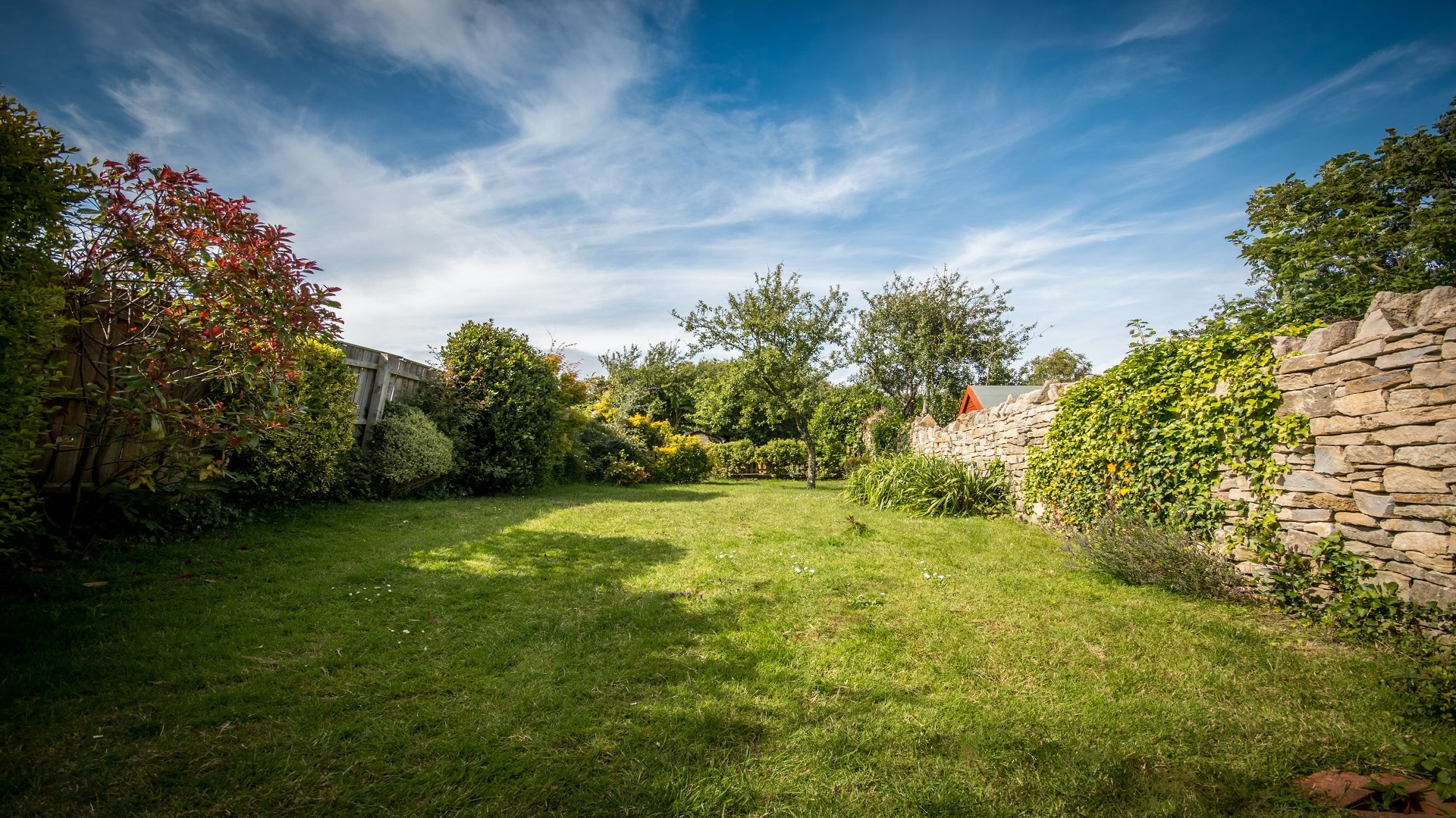 self catering holiday cottage in langton matravers dorset garden lawn